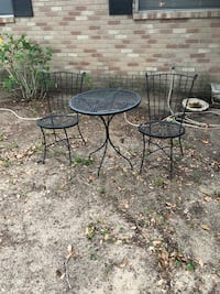 Metal Garden Table & 2 chairs