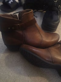 pair of brown leather side-zip boots Aurora, L4G