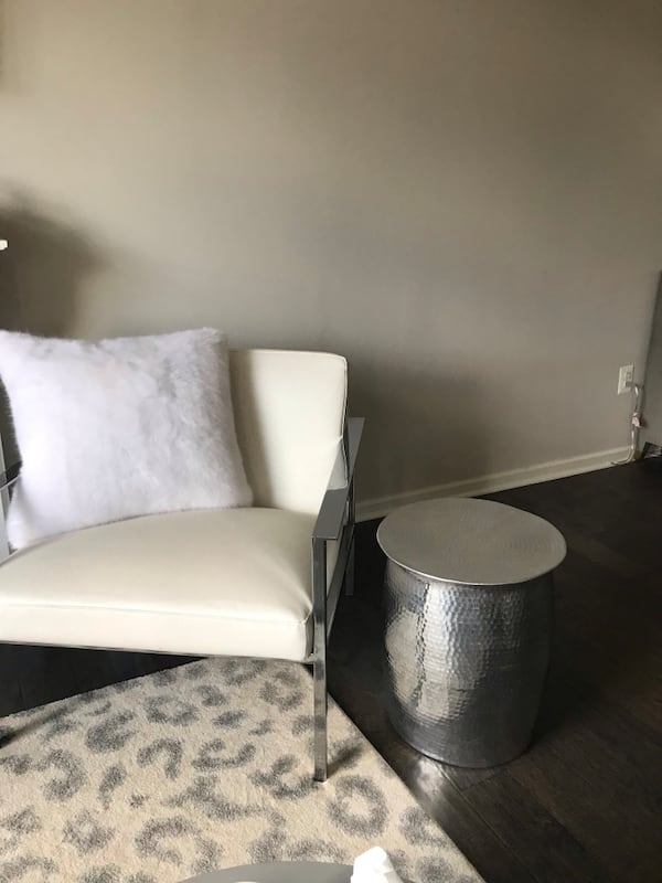 Silver hammered metal side tables (2) d924f233-d9b6-478e-aed0-c15470ed0ed4