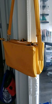 Yellow crossbody bag Calgary, T2E 1J9