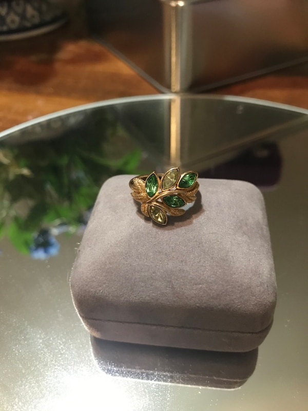Pretty!! Gold Avon Ring with Green Stones 1