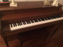 Emerson console PIANO in walnut / vintage / no longer in production