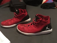 pair of red-and-black Nike basketball shoes Lake Stevens, 98258