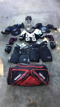 Youth Ice Hockey Equipment - See Details For Item Listing (Will sell pieces or bundle) Oakland, 07436