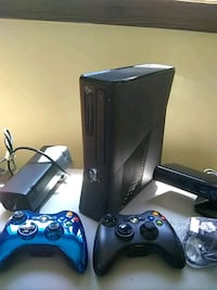 Xbox 360 or buy one item in the bundle Granby, 06035