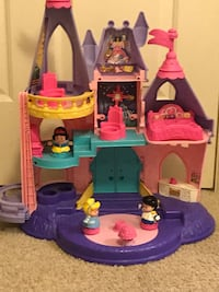 disney princess dollhouse with accessories Redmond, 98052