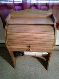 Brown mini roll up desk whit one drawer  Hagerstown, 21740