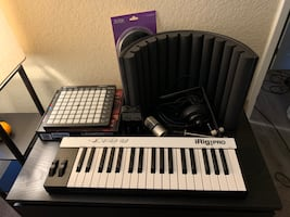 IK Multimedia iRig Pro Recording Package with Novation Launchpad