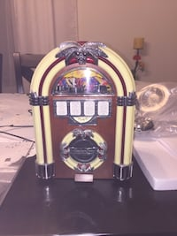 juke box radio 12x9x8 inches ( table top ) Laval, H7E 5M2