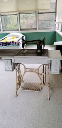 Singer Sewing Machine  Brookeville, 20833
