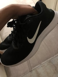 Nike runners size 10 Toronto, M1G 1R5