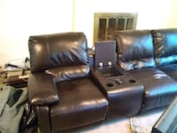 Touch Screen Controlled Premium Leather Couch  Lynnwood, 98037