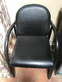 black leather padded rolling armchair Los Angeles, 91340