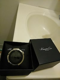 round silver Michael Kors analog watch with box