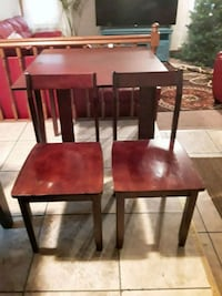 Extendable Cherry Oak Table and Chairs St. Louis, 63138