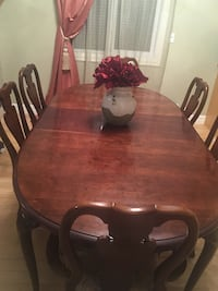 Dining set from bondars  Calgary, T3E 2R1