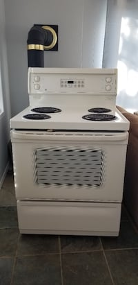 GE Electric Rage and Refrigerator New Wasaga Beach, L9Z 2P8