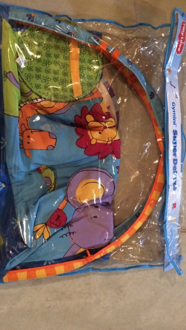 Baby's colorful animals activity gym