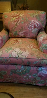 Pair of Pink Brand name Sofa Chairs Jacksonville, 32216