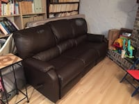 black leather 3-seat sofa Laval, H7N 1S1