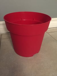 Plastic red flower pot