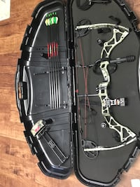 Gray and black compound bow set Oil Creek, 16354