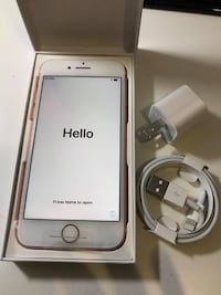 Rose Gold iPhone 7 with box NEWYORK