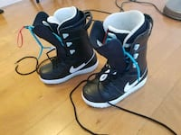 Goregous Nike snowboard boots size 6.5 US Vancouver, V6Z 3G6