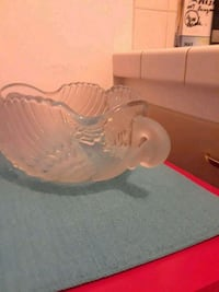 clear glass bowl with lid Long Beach, 90802