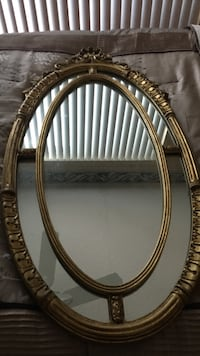 oval brown wooden framed mirror Coral Springs, 33065