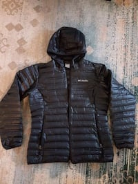 Lightweight Down Jacket almost need.  Worn 2 weeks Toronto, M2N 7L4