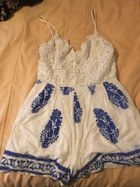 white and blue floral dress Concord, 28025