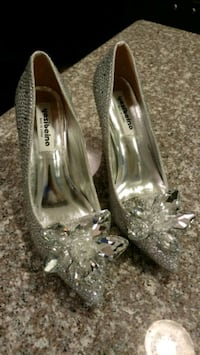 Gorgeous wedding fashion women shoes, size 7.5