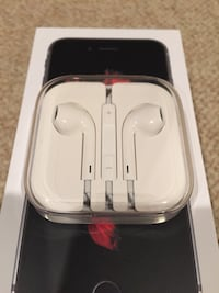 Brand new unopened Apple earbuds headphones 19 mi