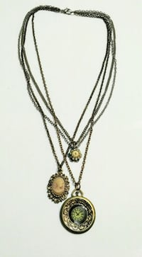 Cameo/clock necklace, gold/silver/bronze Mississauga, L5M 4Z5
