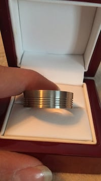 Men's size 11  stainless steel