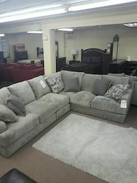 gray textile sectional couch Radcliff, 40160