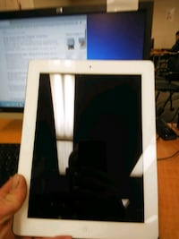 iPad mac air 64gb Victoria, V8W 1C2