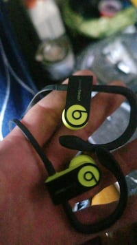 PowerBEATS 3 Surrey