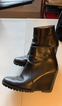 Italian leather booties size 37 from New York Gatineau, J8T 5N7