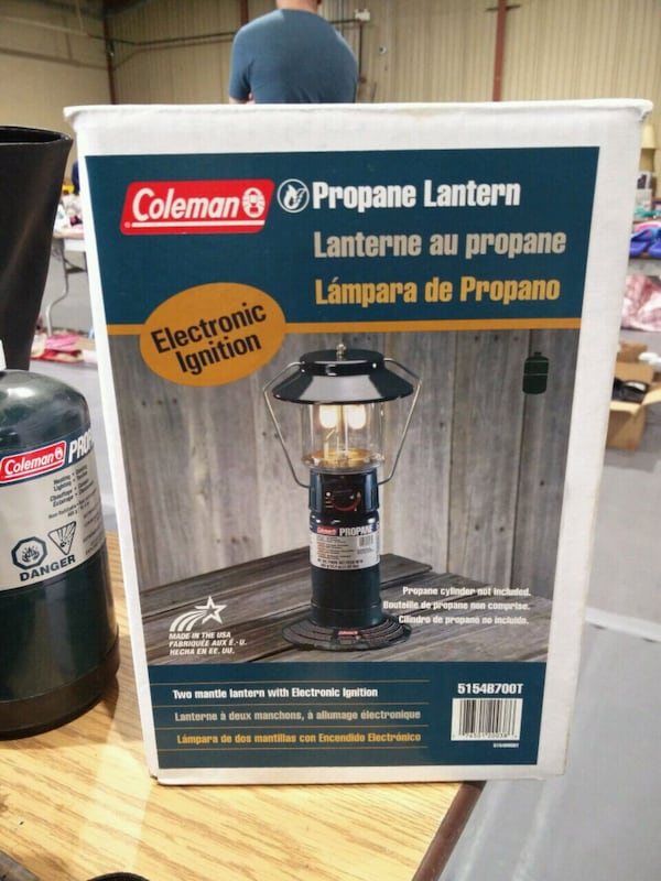 Brand new in box Coleman Propane Lantern with Propane Cylinder 5b165f7d-8122-4bf2-acd0-27d48301de30