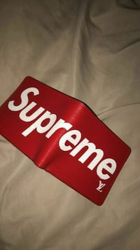 Authentic supreme wallet Calgary, T3J 0V9