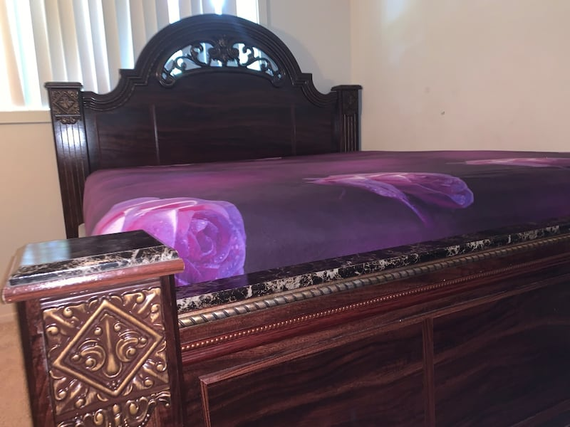 King size bed and mattress,used and as good as new 3c711ba6-6627-440a-8b2a-bcbbcae60e6c