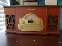 Mint condition record player.  Ajax, L1T 0C8