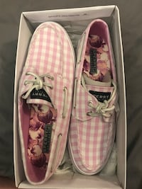 Pink Sperry boat shoes  Fort Wright, 41011