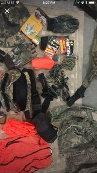 Hunting lot shirt size small great for New hunter Carrollton, 30116
