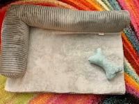 Dog bed for small dogs Mississauga, L5C 2T8