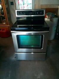 Whirlpool Stainless Front 220 Electric Stove Muskegon, 49442