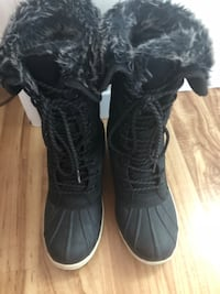 Winter boots as new size 8 Laval, H7R 2Z6