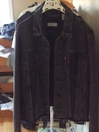 Deluxe Levi's denim jacket Burnaby, V5A 2E8